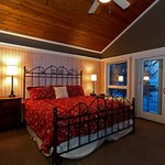 Lakeside Cottage Suite 2