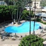 La piscine vue depuis notre chambre