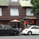 Gutes Café direkt gegenüber