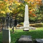 JEFFERSON GRAVE MONUMENT