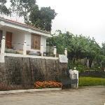 Hotel entrance & Cottage