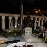 Nosso jantar em frente a nossa suíte, o céu estava maravilhoso e o ventinho divino!!!!! Bela noi