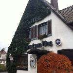 Hotel Zum Ring: Stayed there for a night & would recommend this rustic little house to folks tra