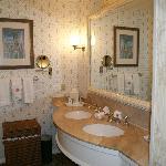 Bathroom Rm 6421 Sugarloaf