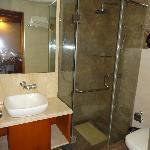 bathroom room 212