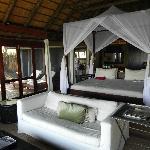 Suite mit kleiner Terrasse und Pool