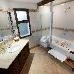 Special room bathroom with Jacuzzi