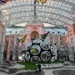 Grande Praca, the grand atrium - spectacular!