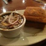 vegetarian chili and cornbread