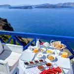 Santorini | Astarte Suites | Breakfast served at guest room terrace