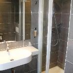 Spacious shower in en suite bathroom