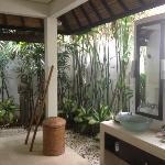 salle de bain exterieur sublissime