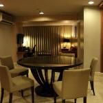 3 bedroom suite dining area