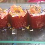 sushi de remolacha y anchoas del Cantábrico