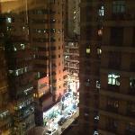 10階からの眺め。男人街の賑わいが垣間見えます