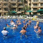 Pool vollyball every day