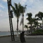 One of my favorite bronze sculptures on the Malecon