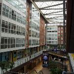 Vista del Interior del Centro Comercial desde el Primer Piso, donde se encuentra el Comedor