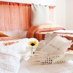 Orange room - with shared bathroom