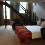Suite 115 bed on ground floor of duplex