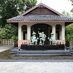 Reception behind the 3 statues