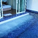 Jet pool
