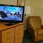 """TVs nuevos de 32"""" y DVD player"""