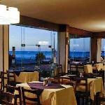 Cafetería donde se sirven muy buenos desayunos y meriendas.