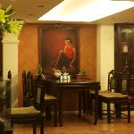 painting at breakfast area