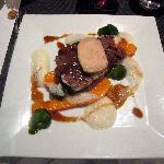 paleron de boeuf confit,foie gras,choux de Bruxelles et carottes