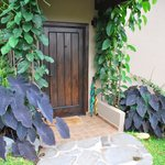 Sweet home front door Manana Madera