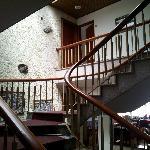 Trappen op til værelserne.