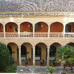 AC Hotel Santa Paula courtyard
