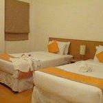 bedroom (2 bedroom)