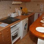 Kitchenette, Hob, Washing Machine, Electric kettle, Toaster