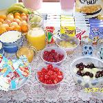 Seasonal fruit and cereals