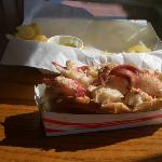Linda Bean s Perfect Maine Lobster Roll照片