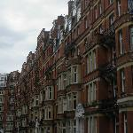 Kensington Close vista strada