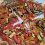 pizza vegetarienne , qui semblait fade car sans fromage
