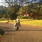 Angie e Ian. disfrutando La Paz que se respira en medio de la naturaleza. Un paraíso terrenal!!