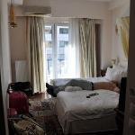 La habitacion, algo pequeña pero todo limpio y de calidad.