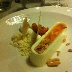 flan with cloudberries and almonds