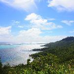 vue du lagon depuis le rocher au dessus de la maison