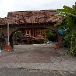 The entrance is closer to Manuel Antonio Park than the ticket booth!!