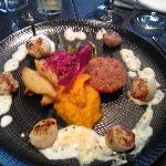 The scallops were so beautifully cooked and look how beautiful my plate looks :)