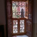 Des portes et fenêtres travaillées