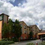 Photo of Evergreen Inn and Suites