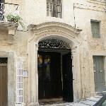 Porte d'entrée du Palazzetto