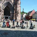 Gruppenfoto direkt vor dem Freiburger Münster