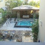 Courtyard and jacuzzi